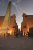 Standbeelden van Ramses II bij Tempel Luxor. Luxor, Egypte Stock Foto