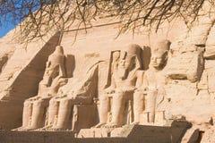 Standbeelden van steen van de tempel van abu simbel Stock Afbeeldingen