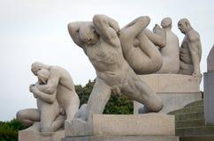 Standbeelden in Vigeland-park Oslo, Noorwegen Stock Afbeelding