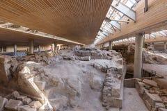 Standort-Museumsaushöhlung Akrotiri archäologische nahe Insel Fira Santorini Stockfotografie