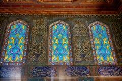 Staned glass fönster i harem av den Topkapi slotten, Istanbul Royaltyfri Fotografi