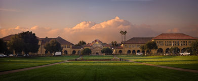 Stanford-universitetet på soluppgång Royaltyfri Bild