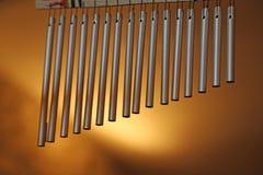 Stangenglockenspiele mit Stahlrohren für Entspannung Stockfoto