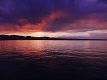 Stanley Lake en Arvada, Colorado en la puesta del sol fotografía de archivo