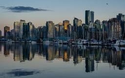 Stanley Park le soir, belle vue de Vancouver Photo stock