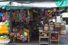 Stanna med souvenir på pinnekullen i Hua Hin, Thailand Royaltyfri Foto