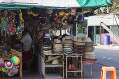 Stanna med souvenir på pinnekullen i Hua Hin, Thailand Arkivbild
