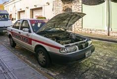 Stannade taxikvarter trafikerar Merida, Yucatan, Mexico Arkivfoto