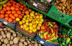 stanowisko owoców, warzyw Zdjęcia Royalty Free