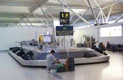 Stansted-Flughafen, Gepäckwartebereich Lizenzfreies Stockfoto