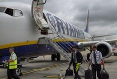 Stansted luchthaven, het Verenigd Koninkrijk 14 juni, 2018 Twee Ryanair royalty-vrije stock afbeeldingen
