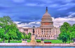 Stany Zjednoczone Capitol budynek z Ulysses S Grant pomnik Waszyngton, DC fotografia royalty free