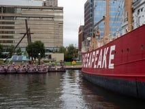 Stany Zjednoczone latarniowa Chesapeake historyczny statek dokował w Baltimore Wewnętrznym schronieniu fotografia stock