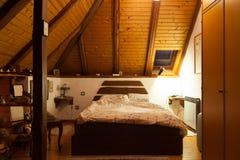 Stanza accogliente del letto Fotografia Stock Libera da Diritti