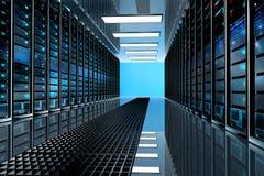 Stanza in centro dati, stanza del server fornita di server di dati Fotografia Stock