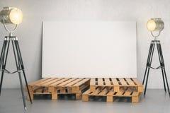 Stanza con l'insegna in bianco e l'illuminazione Fotografia Stock Libera da Diritti