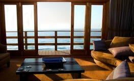 Stanza con la vista di oceano Fotografie Stock Libere da Diritti
