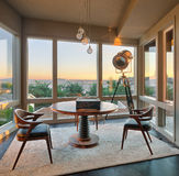 Stanza con la vista nella casa di lusso Fotografie Stock