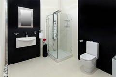 Stanza da bagno bianca nera fotografie stock