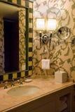 Stanza da bagno dell'albergo di lusso Fotografie Stock Libere da Diritti