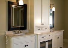 Stanza da bagno interna domestica moderna Fotografie Stock