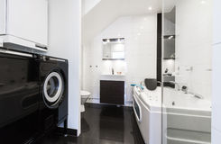 Stanza da bagno pulita moderna Fotografia Stock
