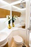 Stanza da bagno in yacht Fotografia Stock