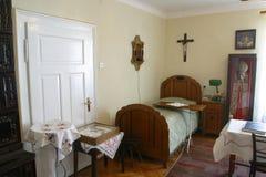 Stanza del Alojzije benedetto Stepinac in cui aveva vissuto durante la sua detenzione nella canonica in Krasic, Croazia Fotografie Stock Libere da Diritti