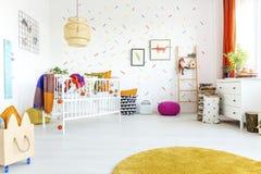 Stanza del bambino nello stile scandinavo fotografia stock