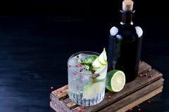 Stanza del fondo delle bevande delle bevande dei cocktail per testo Fotografie Stock