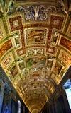 Stanza del programma del museo di Vatican all'interno del soffitto Roma Italia Fotografia Stock