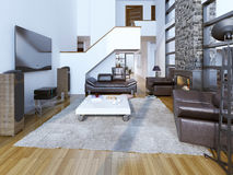 stanza del salotto del Alto-soffitto con il camino Immagini Stock