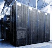 Stanza del server con il codice della matrice Fotografia Stock Libera da Diritti