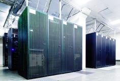 Stanza del server con il codice della matrice Fotografie Stock Libere da Diritti