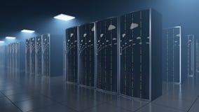 Stanza del server nel datastore con la riflessione delle nuvole stock footage