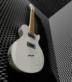 Stanza della schiuma fonoisolante con la chitarra elettrica montata fotografia stock