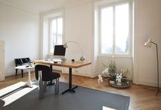 Stanza dello studio con mobilia retro Fotografia Stock