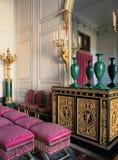stanza di legno con le mobilie al palazzo di Versailles Fotografie Stock Libere da Diritti