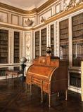Stanza di legno con mobilia al palazzo di Versailles Fotografia Stock Libera da Diritti