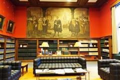 Stanza di lettura dell'accademia di diritto internazionale immagini stock libere da diritti