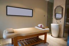 Stanza di massaggio Fotografie Stock Libere da Diritti
