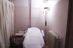 Stanza di terapia in stazione termale fotografie stock libere da diritti