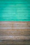 Stanza dimensionale con un pavimento di legno e della parete rivestito legno immagini stock