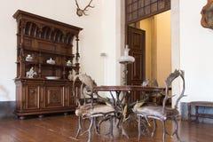 Stanza interna d'annata di caccia Vecchio castello fotografia stock libera da diritti