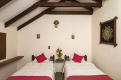 Stanza più interier in un hotel tradizionale in Chivay, Arequipa, Perù Fotografia Stock