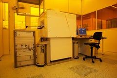 Stanza pulita alta tecnologia dell'indicatore luminoso giallo Fotografia Stock