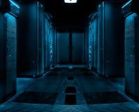 Stanza simmetrica del server con le file degli elaboratori centrali nel centro dati moderno, progettazione scura futuristica Immagine Stock