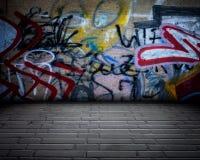 Stanza urbana dei graffiti della fase immagine stock libera da diritti