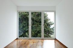 Stanza vuota con la finestra fotografia stock libera da diritti