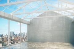 Stanza vuota di stile moderno del sottotetto con le finestre Fotografia Stock